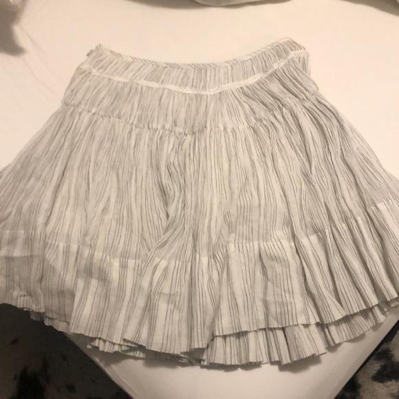 Vince Dresses & Skirts - Vince pleated skirt